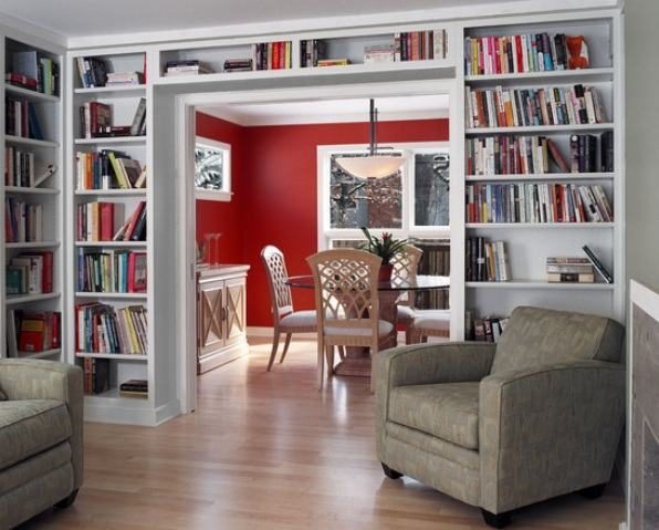 Estante de livros de parede na sala