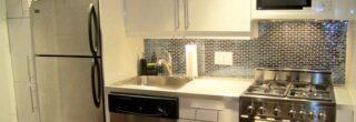 cozinha decorada com pastilhas de inox 2