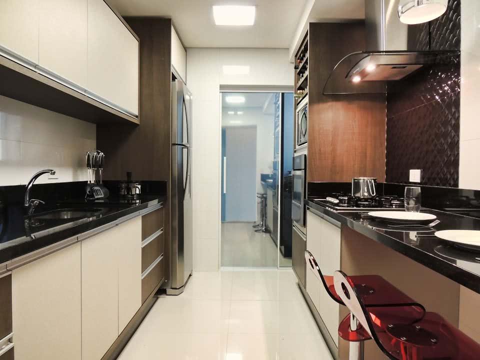 Cozinha decorada Pequena de Apartamento e Sobrado