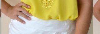 blusinha amarela com saia cino