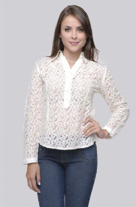 como-usar-camisa-feminina-de-renda