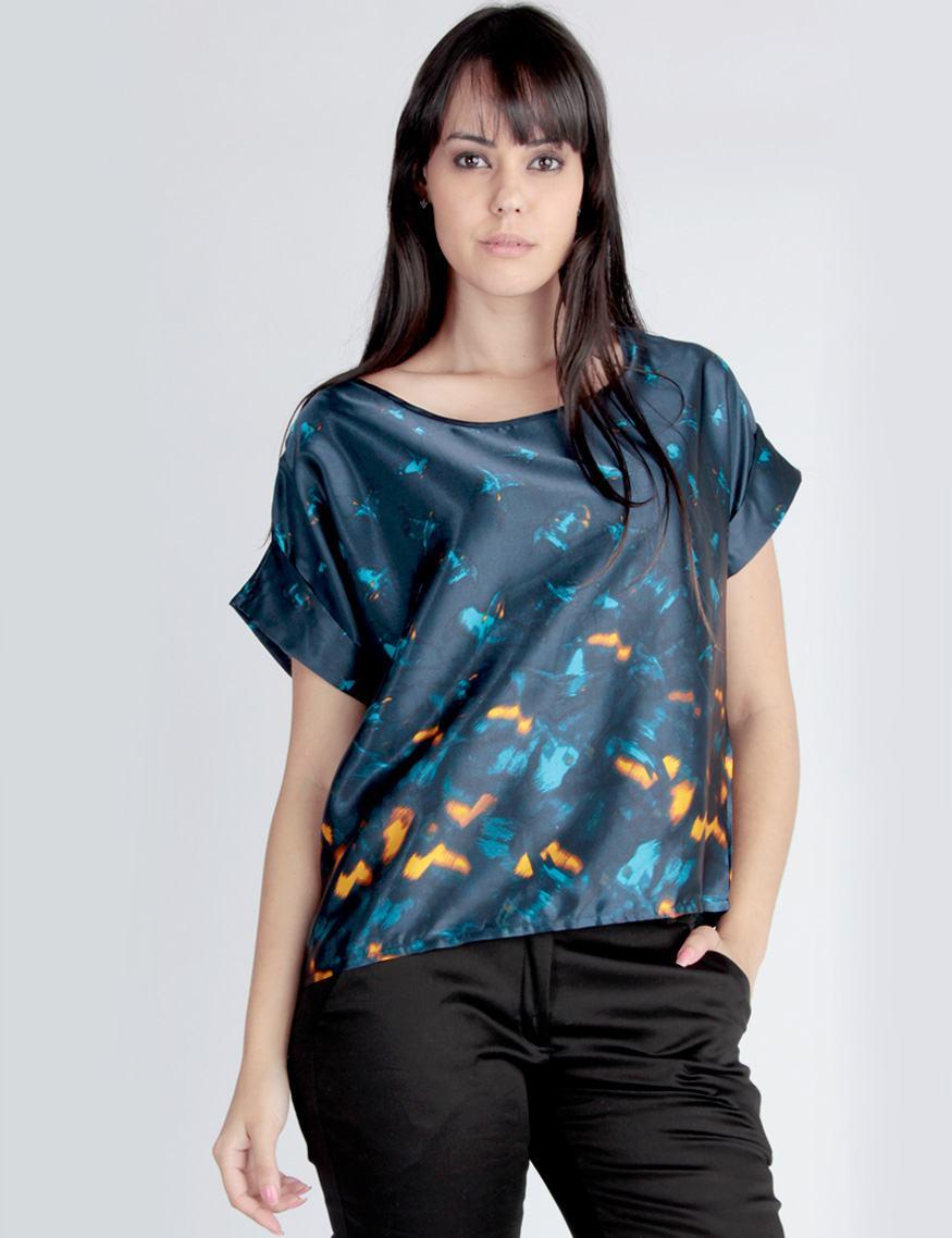blusa de cetim com estampas