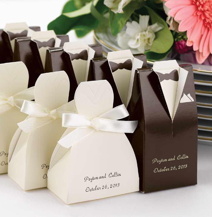 lenbrancinhas com caixinhas de noivo e noiva