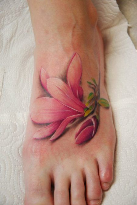 tatoo flor no pe