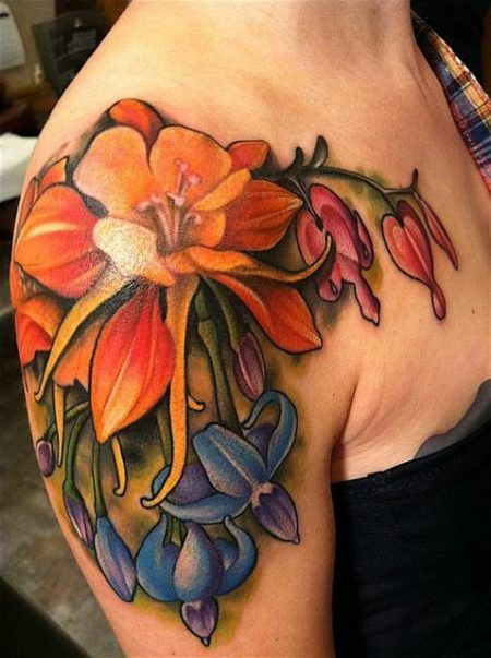 tatoo flores no braco