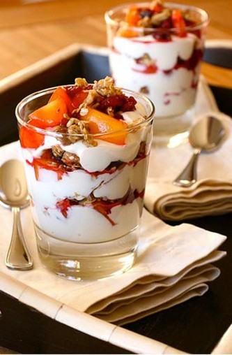 granola com iogurte com frutas
