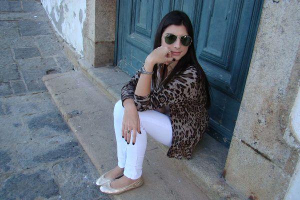 Sapatilhas femininas douradas veja como USAR