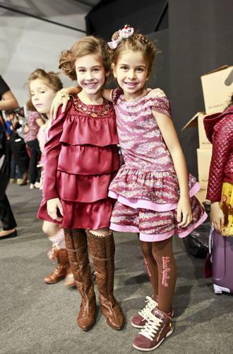 tipos de roupas da lilica ripilica infanto juvenil