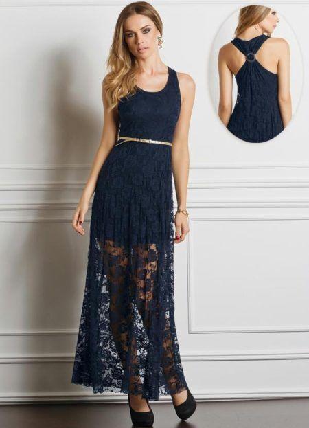 3e6146c2c Imagem 7 – Este vestido de renda longo possui um modelo bem comportado, com  forro na cor preta e renda na cor verde, com manga três quartos e um detalhe  na ...