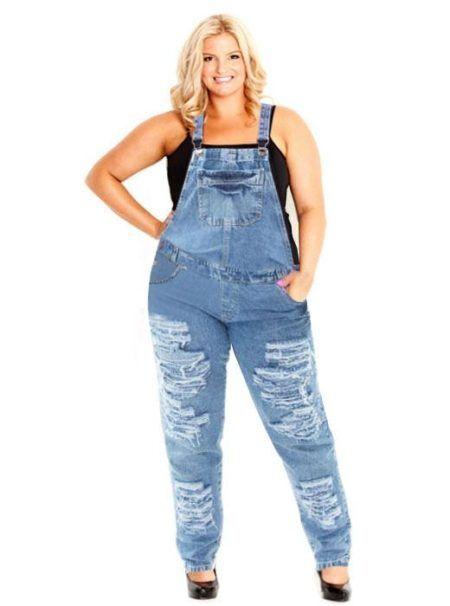 macacao jeans plus size rasgadinho