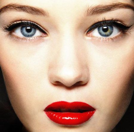 maquiagem com destaque para boca