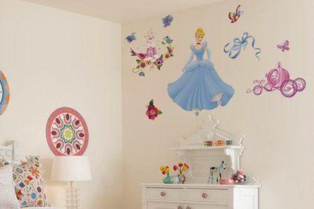 adesivo na parede quarto de menina