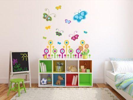 quarto de menina decorado com borboletas