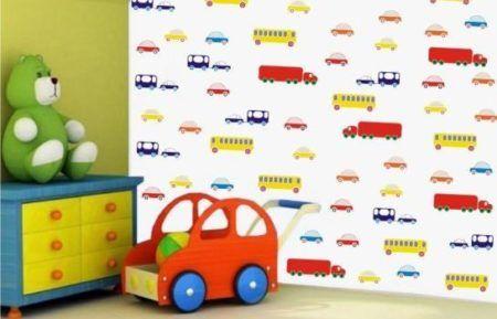 quarto de menino com adesivo de carros e caminhoes