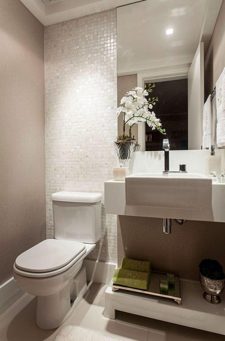 #474717 Decoração de BANHEIRO PEQUENO e modernoBela & Feliz 736x1114 px modelo de banheiro simples e pequeno
