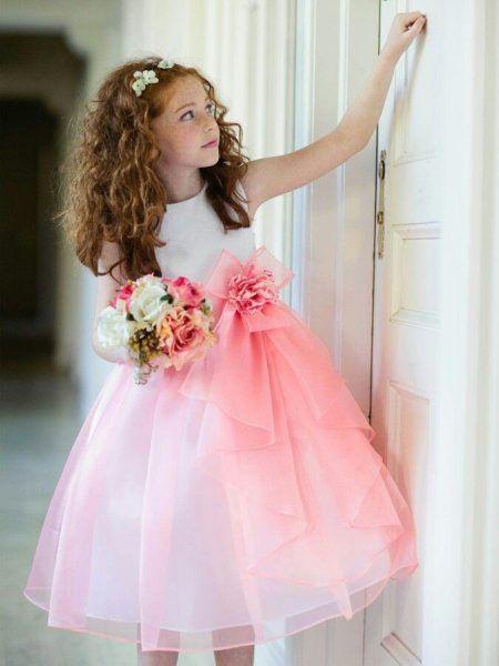 lindos vestidos para dama de honra branco com detalhes em manchas rosas