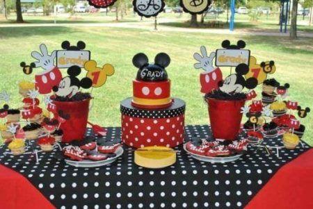 enfeites do Mickey para aniversário mesa