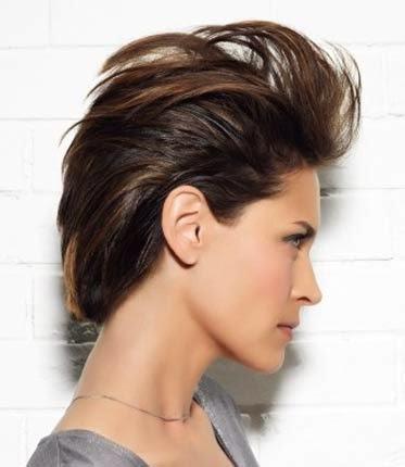 cabelos-curtinhos-desfiados-femininos-estilo-moicano