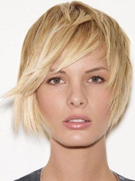 cabelos-curtinhos-desfiados-femininos-loiro
