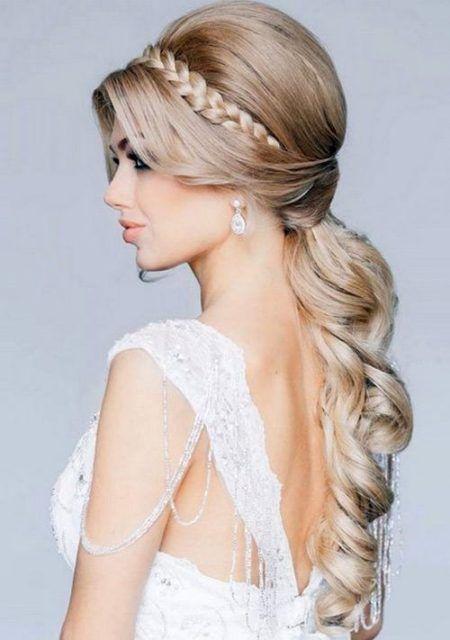 penteados para madrinha de casamento com rabo de cavalo e trança