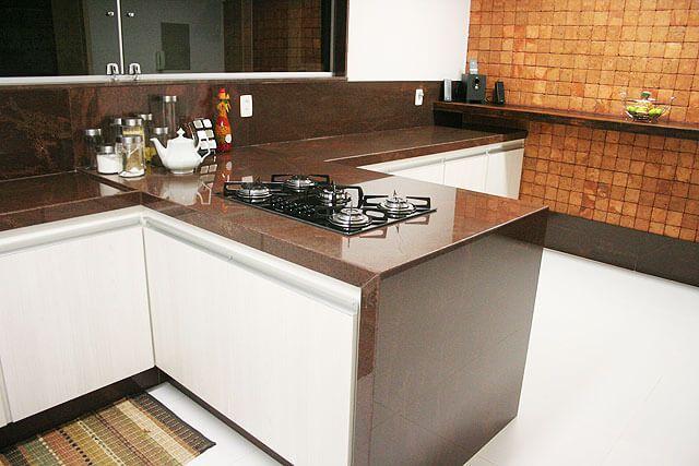 Qual a cor da pedra para cozinha Escolher (Fotos, detalhes, planejamento)