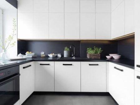 Accent Walls likewise  additionally Photo also Kitchen Ideas moreover Watch. on black and white kitchen backsplash ideas
