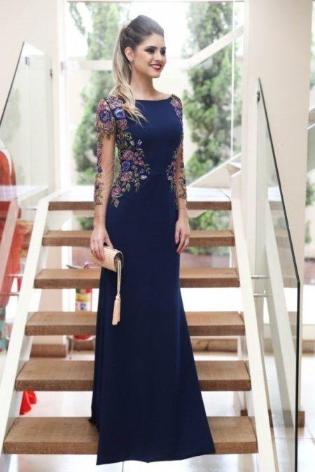 bee8544e8 Repare que modelos de vestidos 2018 também podem ganhar bordados coloridos  no corpo do vestido podendo se estender para as mangas em tule ilusion.